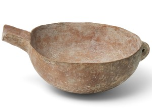 spouted serving bowl