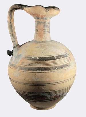 Bichrome jug (Early Iron Age )